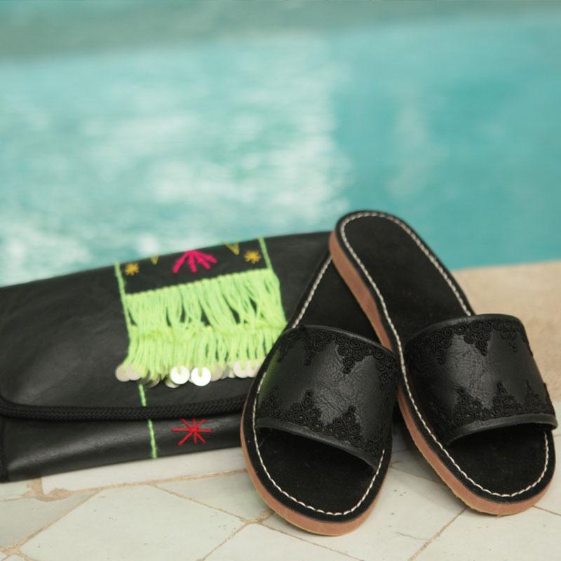 Sandale bande en similicuir brode